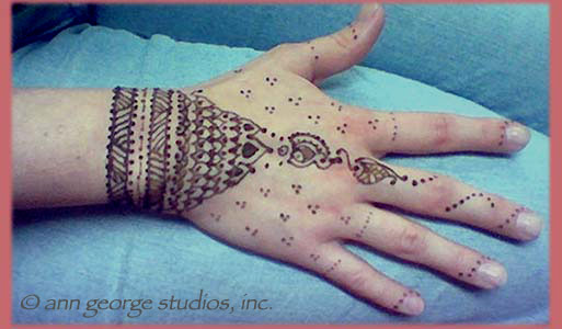 Mehndi Tattoo Cuff : Henna tattoo photos from bridal parties festivals showers and