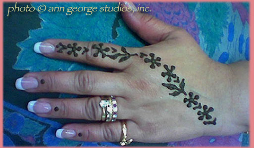 simple henna for back of hand