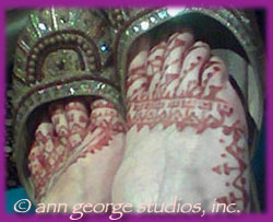 henna tattoo pattern for toes